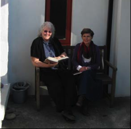 Geraldine with her friend Jacqueline Loring at Böll Cottage, Achill Island, Co. Mayo. Photograph courtesy of Jacqueline Loring.